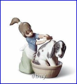 LLADRO Porcelain BASHFUL BATHER (01005455)