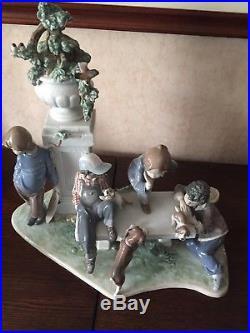 LLADRO Puppy Dog Tails 5539 Glazed Porcelain Figurine Statue Broken Tail