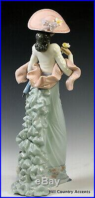 LLADRO SUNDAY'S BEST #6246 -YOUNG SOPHISTICATED LADY With DOG, FLOWERS MIB