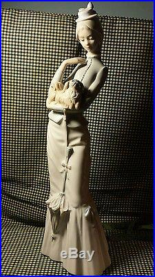 Lladro Walking With The Dog #4893 Mint! Large! Magnificent Piece! Reg. 495$