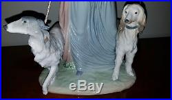 LLADRO Woman/ Lady with dogs 01005802 ELEGANT PROMENADE 5802 Daisa 1990