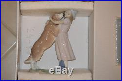 LLADRO porcelain figurine A Warm Welcome 6903 Girl with Dog WITH BOX