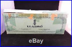 LLadro #4914 Lady With Shawl & Dog Figurine Retired Original Box