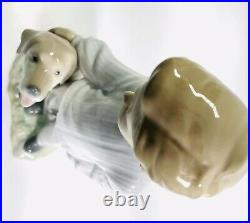LLadro 6902 My Loyal Friend Figurine Signed Boy petting Labrador dog. Mint