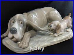 Large Early Lladro Bloodhound Dog With Basset Hound Puppy Figurine