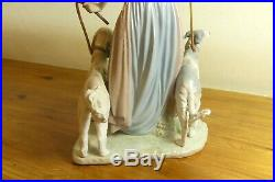 Large Lladro Figurine Elegant Promenade Woman With Dogs On Leash 5802