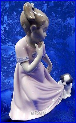 Let Me Go Girl With Dog Special Edition 2014 Female Figurine Nao By Lladro #1829