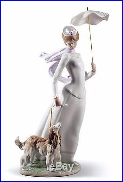 Lladro 01008679 LADY WITH SHAWL dogs umbrella 8679 BRAND NEW in BOX