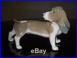 Lladro # 1066 dog Bassett Hound