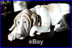 Lladro # 1067 Old Dog