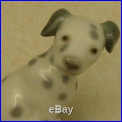 Lladro 1260 Dalmatian Dalmatian puppy dog sitting MWOB, RV$525