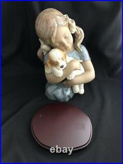Lladro 13-1/2 Gabriela Girl Hugging Dog 2355 Figurine Bust W Wood Stand