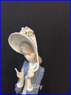 Lladro 1537 Lady With Dog. Broken