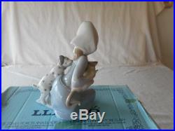 Lladro 1974 LITTLE FRISKIES Dog And Cat Girl Figurine #5032 With Box