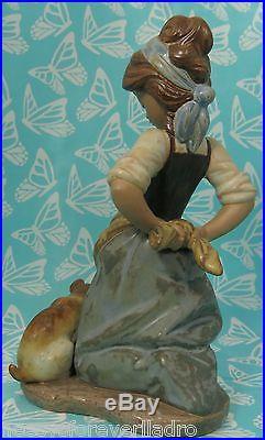 Lladro # 2096 KITCHEN MAID & DOG AKA Nosy Puppy MINT BUY 1 GET 1 50% OFF
