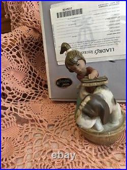 Lladro 2273 Bashful Bather Gres! RETIRED! Mint Condition! Original Grey Box