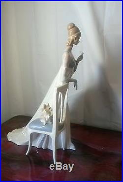 Lladro #4719 Lady Empire 19 inches, Woman by Dog In Chair