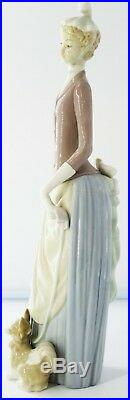 Lladro 4761 Woman with Dog and Umbrella 14.25 Tall Glossy No Box Retired L234