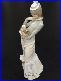 Lladro 4893 A Walk with The Dog Woman w Pekingese Dog Porcelain Figurine 14 3/4