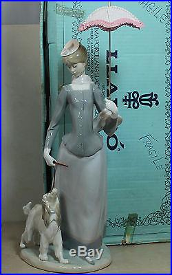 Lladro 4914 Lady With Shawl (& Dog & Umbrella) 17H -As Is withBox
