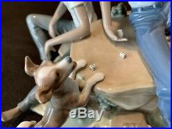 Lladro 5379 Children's Games Black Legacy Boys Playing & Dog Beautiful