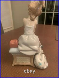 Lladro 5466 Chit Chat Girl on phone with dog at side Mint Condition. Vibrant