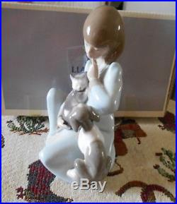 Lladro #5640-cat Nap Original Box Mint Condition Girl With Cat And Dog