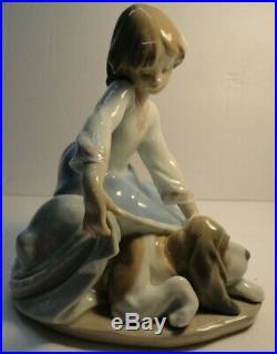 Lladro #5688 Dog's Best Friend