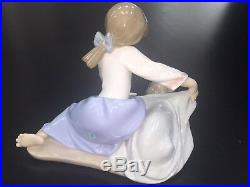Lladro 5688 Dog's Best Friend Girl with Dog 6 1/4 MINT CONDITION