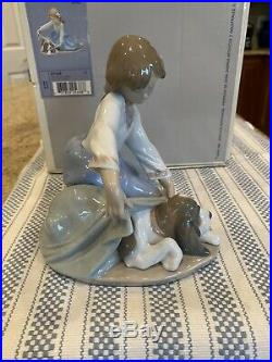 Lladro 5688 Dogs Best Friend withOriginal Box Brand New Condition