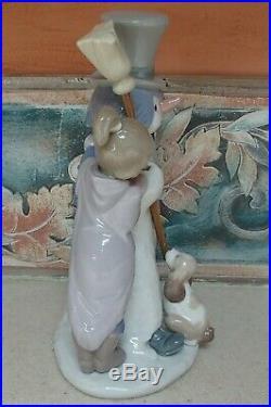 Lladro 5713 The Snowman boy & girl with dog building a Snowman MWOB, RV$495