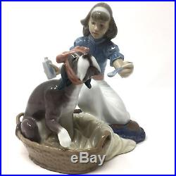 Lladro 5921 TAKE YOUR MEDICINE Girl With Dog Gloss Figurine Excellent Condition