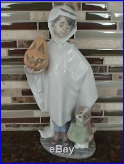 Lladro 6227 Trick or Treat boy in ghost costume w dog & pumpkin- MWOB, RV$450