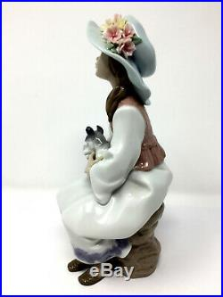 Lladro 6400 DAYDREAMS Girl Holding Dog Gloss Figurine Excellent Condition
