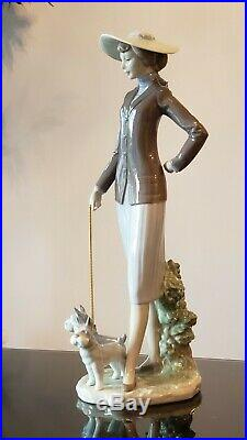Lladro 6760 El Paseo Diario Walking the Dogs, MINT condition, in box