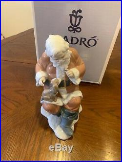Lladro #6890 Santa's Little Secret Holding Puppy Dog Magical Workshop Boxed Rare