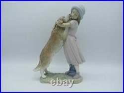 Lladro 6903 A Warm Welcome dog figurine