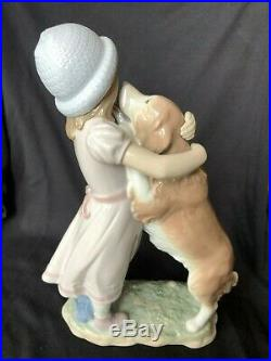 Lladro # 6903 A Warm Welcome figurine, GIrl with Dog, Mint Condition