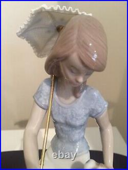 Lladro 7612 Picture Perfect -Collectors Society-Girl With Parasol Seated H8.75