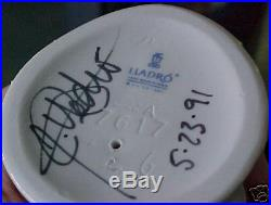 Lladro #7617 Garden Classic Brand Nib Lady Dog Signed $260 Off Rare Free Shiping