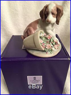 Lladro #7672 It Wasn't Me Cute Puppy Flowers Dog Retired