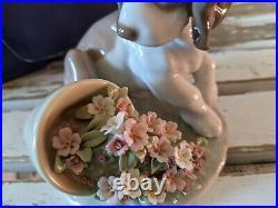 Lladro 7672 it wasnt me dog flowerpot figurine
