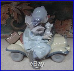 Lladro 8136 Trip to the Circus clown with dog in yellow toy car MWOB, RV$770