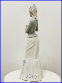 Lladro A WALK WITH THE DOG #4893 Retired Glazed Finish 15 Tall MINT
