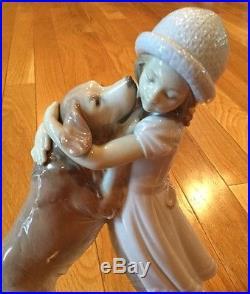 Lladro A WARM WELCOME #6903 Figurine Girl & Golden Retriever Dog Hugging Mint