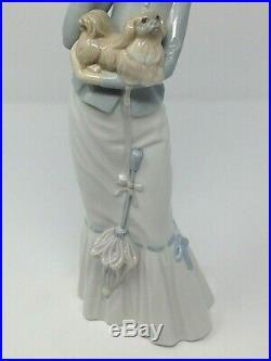 Lladro A Walk With The Dog 4893 Woman Pekingese Figurine 14.5 Mint