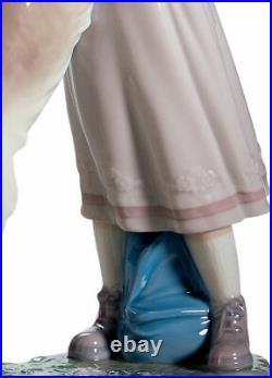 Lladro A Warm Welcome Dog Figurine 01006903