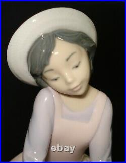 Lladro By My Side Porcelain Figurine # 7645 Girl Sitting With Dog Spain Mint