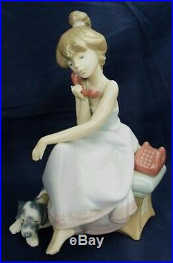 Lladro CHIT CHAT girl on the phone with her dog Model 5466 RRP £275