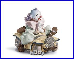 Lladro CLOWN DOG IN CAR 01008136 TRIP TO THE CIRCUS 8136 Brand New in Box